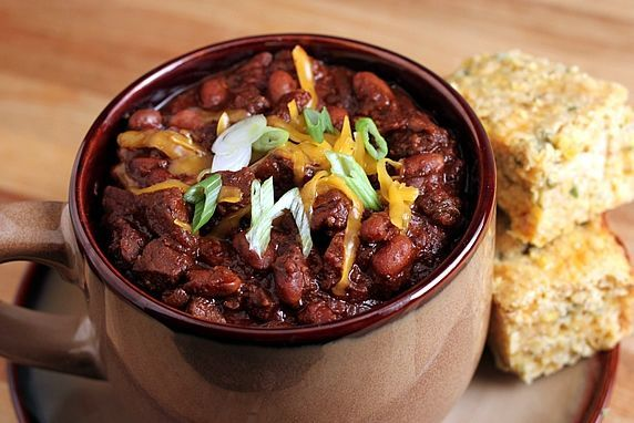 Thick & Hearty Steak Chili with cornbread