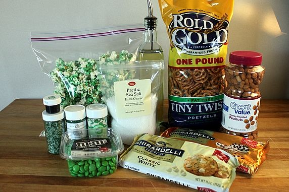 Green Popcorn Party Mix