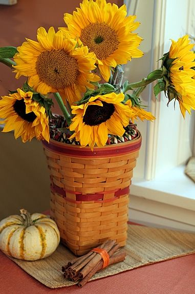 Fall decorating ideas with sunflowers